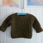 虫も美味しい繊維を知っている、セーターの穴あきを繕ってみた。
