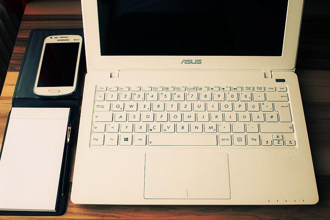 notebook-660560_1280