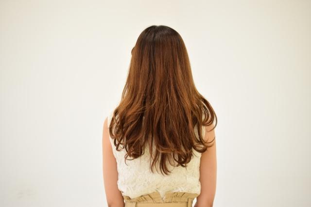 40代、白髪を染めない、それとも染める?憧れのグレイヘアの道のりは?