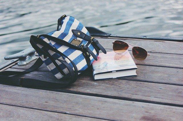 彼女が雑誌の付録のバッグを持つ10の理由 イメージ画像