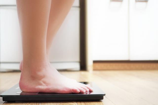 ダイエットイメージ 体重計